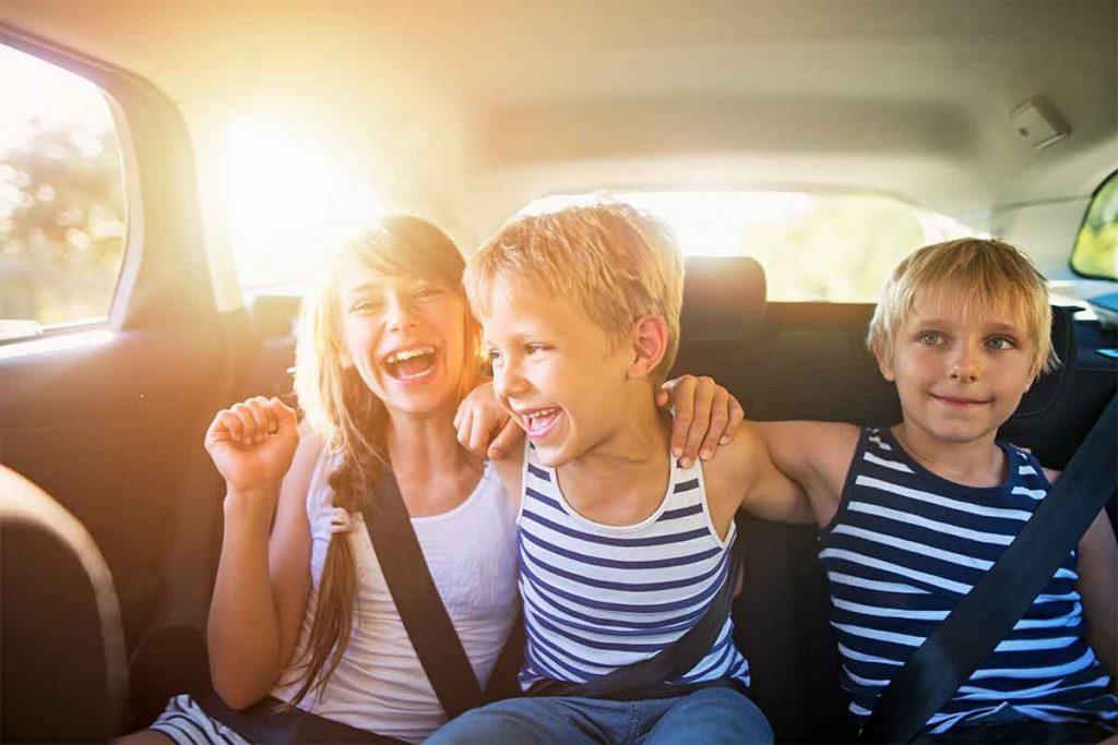 14 juegos para jugar con niños en coche